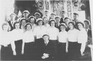 Tydal blandakor i Tydal kirke i anledning 250-års jubileet i 1946. Dirigent er Alf Sandnes.
