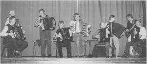 Tydal trekkspillklubb i aksjon i 1987. (Foto Selbyggen.)