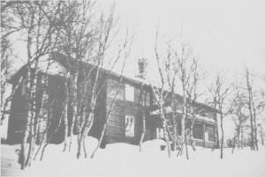 Væktarstua slik den ble bygd av Martine og Alfred Unsgård i 1929.