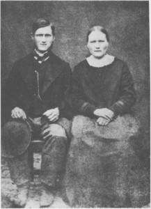 Jon Trondsen (Sollien),f 1849, varen av flere tydalsungdommer som søkte arbeid i de svenske grensebygdene. Han fikk flytteattest av presten både i 1870 og i 1875. Han fant seg kone i Sverige (Kerstin Olsson) og slo seg ned for godt ved Storsjøen.