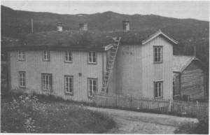 Klokkergarden var første fastskolen i Tydal og ble tatt i bruk i 1869. Her var også lærer- og klokkerbolig og møterom for soknekommunen. Bygninga ble revet og solgt i 1966.