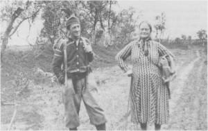 Ingeborg og Oliver Rotvold på veg til Nedal i 1941.