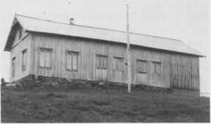 Folkets Hus i Ås ble bygd i 1916 og gjorde tjeneste til det kom nytt samfunnshus i 1969. «Å, herre Gud så mykji artugt du ha husa i den tia som har gått», skrev Ragnhild Aas i sin «nekrolog».