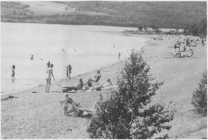 slik kan det også være om sommeren i Stugudal. Rotodden ved Stugusjøen har fine sandstrender.